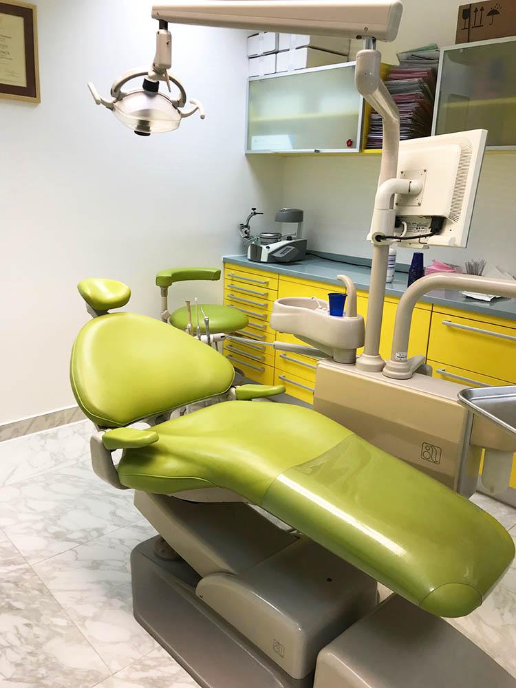 Stomatološka stolica ADEC za prodaju ║ Zobozdravstveni stol ADEC prodamo